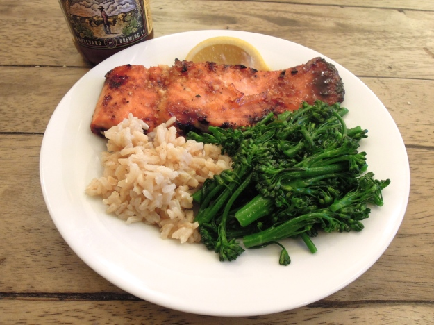 Roasted salmon with soy-marmelade glazed, brown rice, and sauteed broccolini